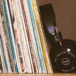 headphones-2588235_1920